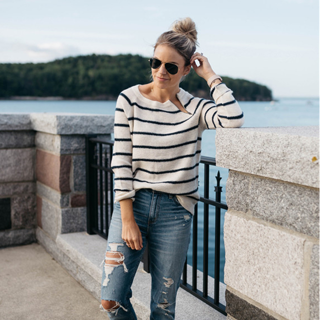 15b4f3f4c68 2018 Spring Autumn Striped Sweaters Women New Fashion Long Sleeve Black  White Zipper Sweaters And Pullovers Knitted Tops Femme