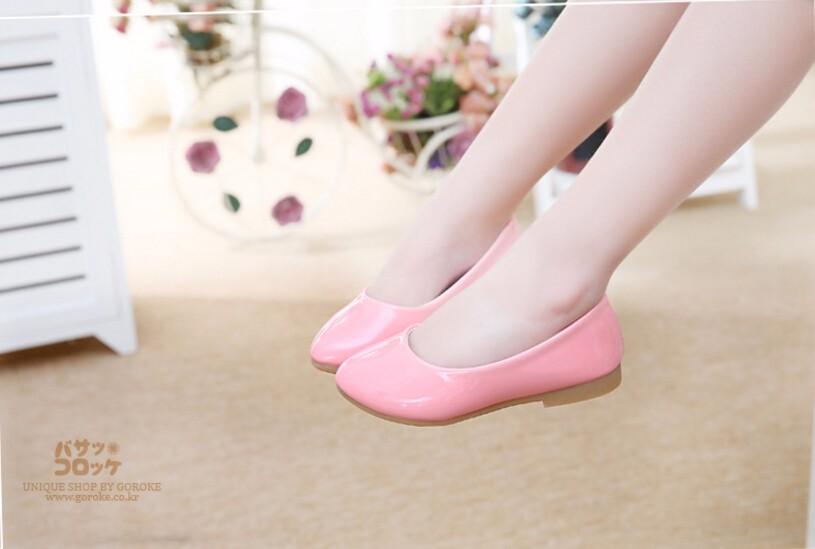 girl leather shoe-16