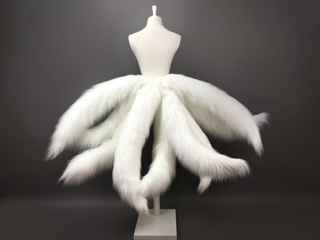 Game LOL Cosplay Costumes Fox LOL Ahri Nine Tailed Upgraded Transform-model Tail Cosplay White 3 Sizes title=