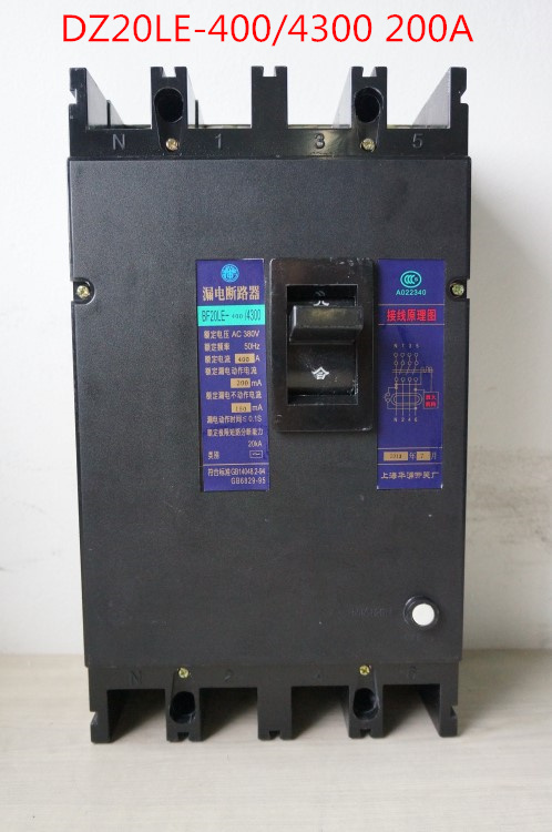Three phase four wire earth leakage circuit breaker DZ20LE-400/4300 4P 200A black