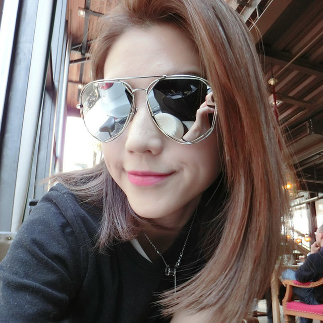 6e53fc65707 Mix wind Fashion Women Sunglasses Classic Brand Designer Twin-Beams Coating  Mirror Flat Panel Lens