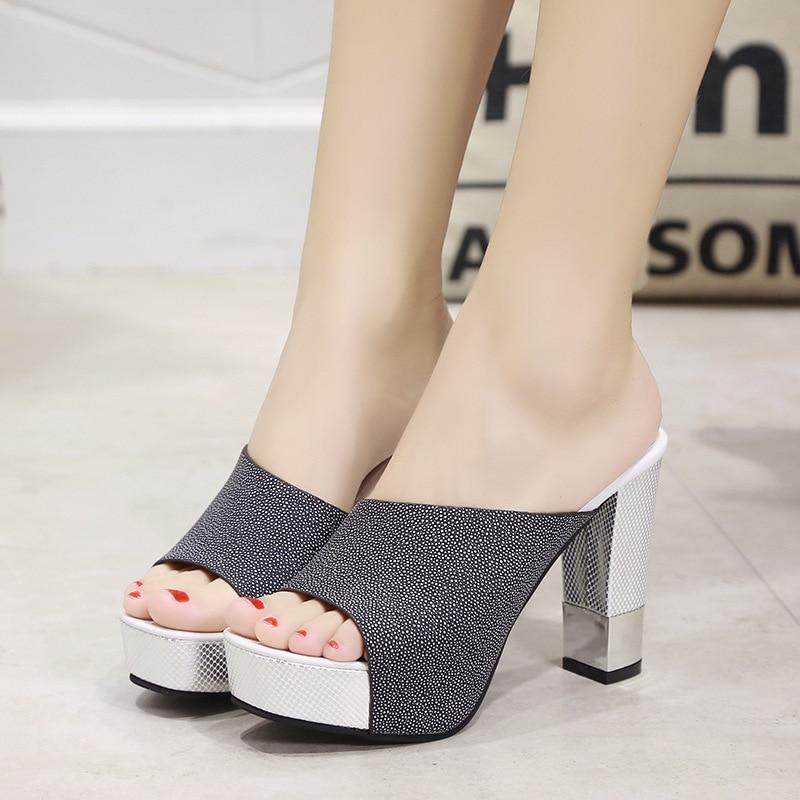 26a5f95bf 2019 Moda Peep Toe Chunky Grosso Rebanho Calcanhar Mulas Chinelos de Verão  Confortável E Casual Sapatos