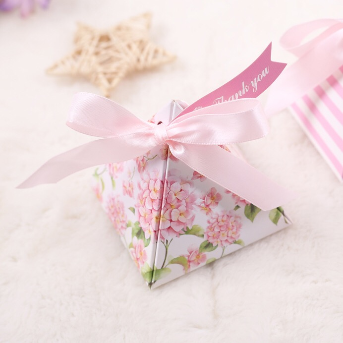 100pcs Triangular Pyramid Pink Hydrangea Flower Wedding Favors Candy Boxes baby shower Party Gift Box thank