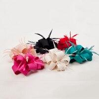 Großhandel Frauen Satin Fascinator Feder Blume Haarnadel Braut Hochzeit Haarschmuck Kopfschmuck Elegante Vintage Haarspange