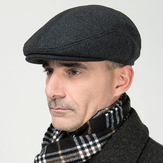 Nuovo Autunno Inverno Beret Hat Addensare Berretto Vecchio cappello Uomo  Solido di Snapback Della Protezione Dell 4f41ee4dba29