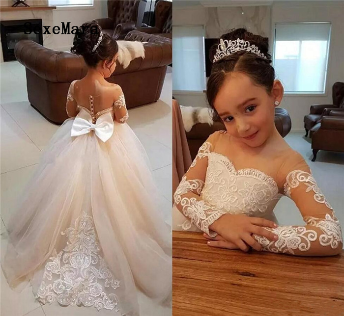 Long Sleeves Flower Girls Dresses With Lace Appliques Beads Bow Sheer Neckline Girl Pageant Dress Sexy Back Kids Communion Gown