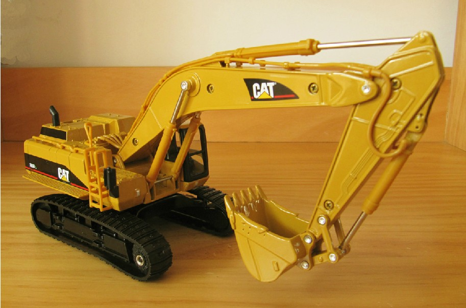 TMC Models Large Hitachi ZX470LCH-5 Tracked Hydraulic Excavator Diecast 1:50