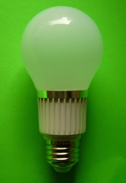hot sale!free shipping  E26/E27 /E11/B22 7W led bulb 7.4w 550lm led lamp/light  samsung chip