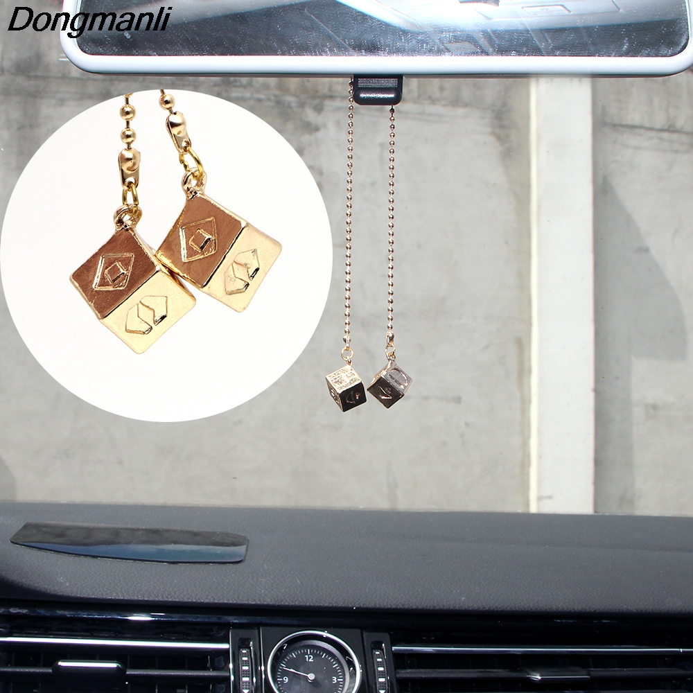 P2227 Dongmanli Han Solo Lucky Dice Prop Gold Color Smugglers Dice/Cube Charm Cool Movie Car Jewelry for <font><b>toy</b></font> image