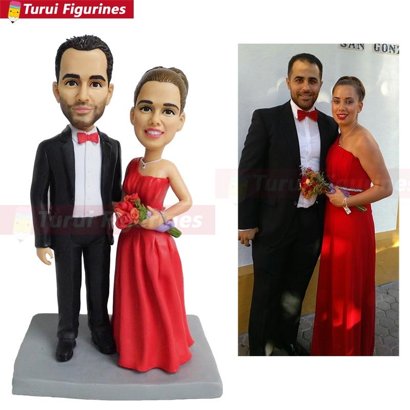 Femme en robe rouge personnalisée figurines figurines figurines personnalisées figurine de couple avec des vêtements sur mesure