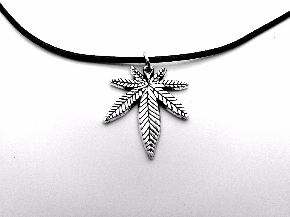 1PC- European American Canada Jamaica Hemp Maple Leaf Necklace African Plants Tree Weed Foliage Leaves Leather Rope Necklaces