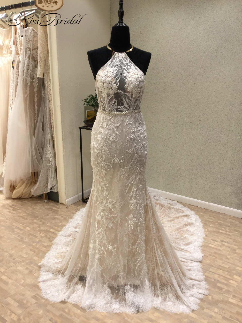 1baa3837fdd New Sexy Beach Wedding Dresses 2018 O-Neck Off the Shoulder Court Train  Appliques Tulle Backless Bridal Gowns Vestido de noiva