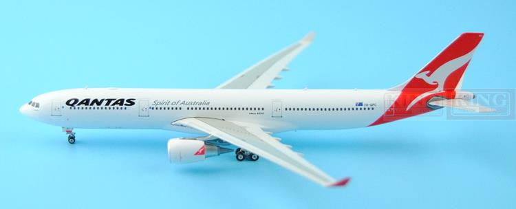Phoenix 11148 Australian Airlines VH-QPC 1:400 A330-300 commercial jetliners plane model hobby 11010 phoenix australian aviation vh oej 1 400 b747 400 commercial jetliners plane model hobby