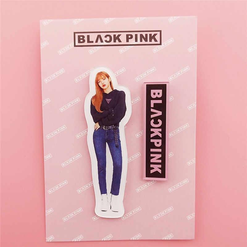 2 قطعة Kpop BLACKPINK بروش شارة بدبوس JISOO ارتفع ليزا جيني رسائل دبابيس قبعة حقيبة الظهر بلوزة اكسسوارات