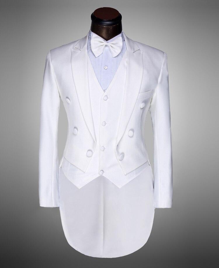 Trajes de novio para boda blanco