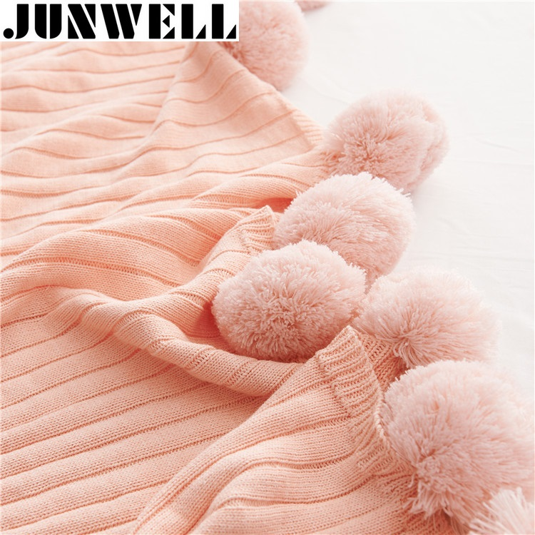 Junwell 100% Acrylic Knitted Blanket 120*160cm Fur Ball Fashion Adult Sofa Bedding Decorative Knit Throw Blanket Gift