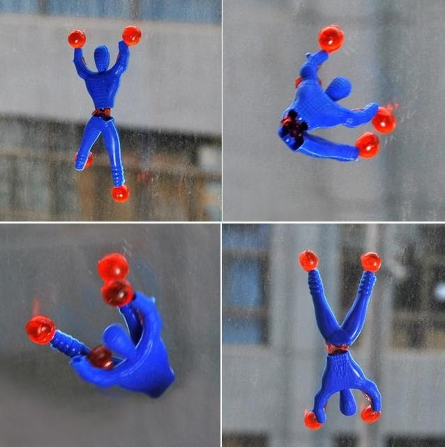 2015 New Climbing people Superman Small Toys Kids Party Favors 20PCS/Set