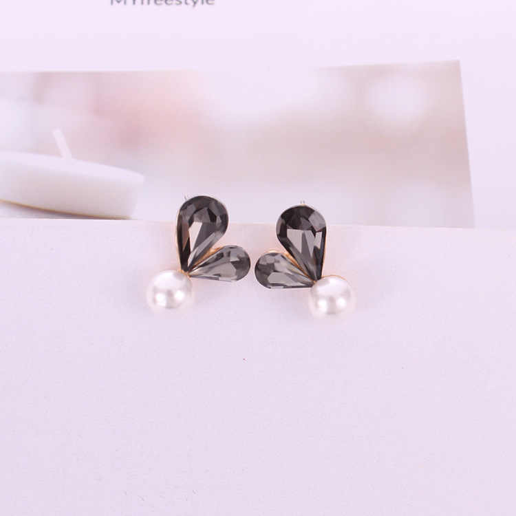 Hot Sale Fashion Heart Shape Gray Red Crystal Simple Water Drop Simulated White Pearl Stud Earrings for Women Jewelry Bijoux
