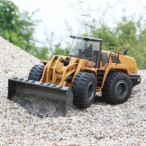 Image 3 - RBR/C HUINA 583 excavadora eléctrica de control remoto, vehículo de construcción en miniatura de aleación, tornillo de juguete