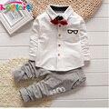 2017 Crianças Novas Roupas Da Moda Primavera & Outono Bebés Meninos Conjuntos crianças Gravata borboleta T-shirt + Calças de Manga Longa Ternos Esportivos Meninos roupas