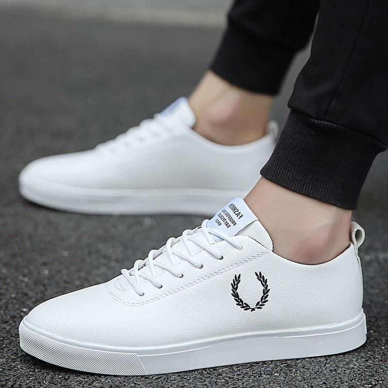 40481644bbb6 Hot sale 2019 spring new dating men s shoes fashion trend leather shoes  casual shoes breathable lace