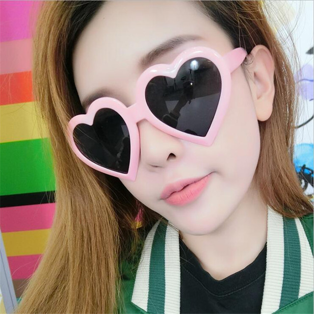 2018 Heart-shaped Sunglasses Women Candy Fashion Cat Eye Sun glasses Designer Heart Lolita Eyewear Best Gifts for girls