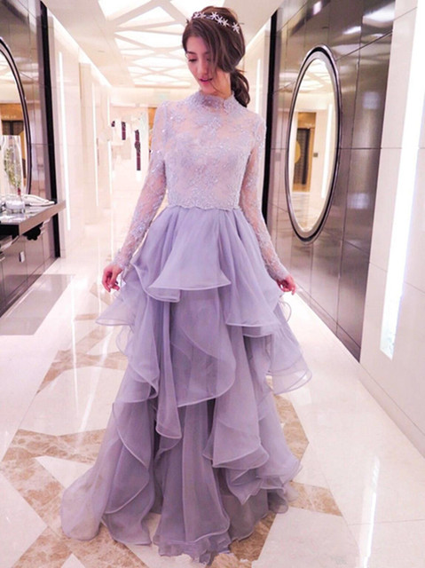 Graceful Sky Blue Celebrity Dresses 2017 New Long Sleeve High Neckline Appliques Beading Tiered Red Carpet Dress Prom Gowns