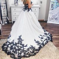 Black/Ivory Wedding Dresses 2019 Design Ball Gown Sweetheart Neck Appliques Tulle Lace Bridal Gowns Sleeveless Country Garden