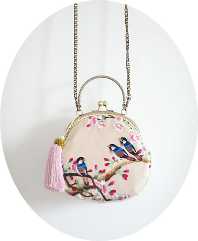 Angelatracy 2018 제한된 수량 가방 여성 수제 가방 실크 자수 꽃 핸드백 새 로터스 미니 레이디 지갑 술-에서탑 핸드백부터 수화물 & 가방 의  그룹 3