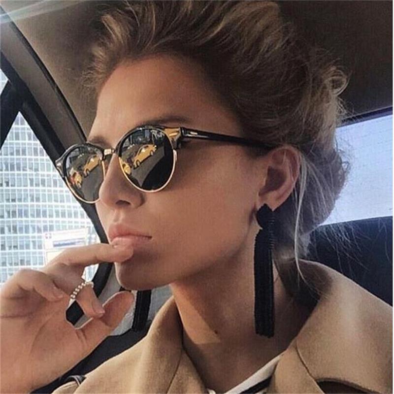 Жарких лучей очки Для женщин популярные Брендовая дизайнерская обувь в стиле ретро мужские Летний Стиль Солнцезащитные очки заклепки рамка красочные покрытия оттенков купить на AliExpress