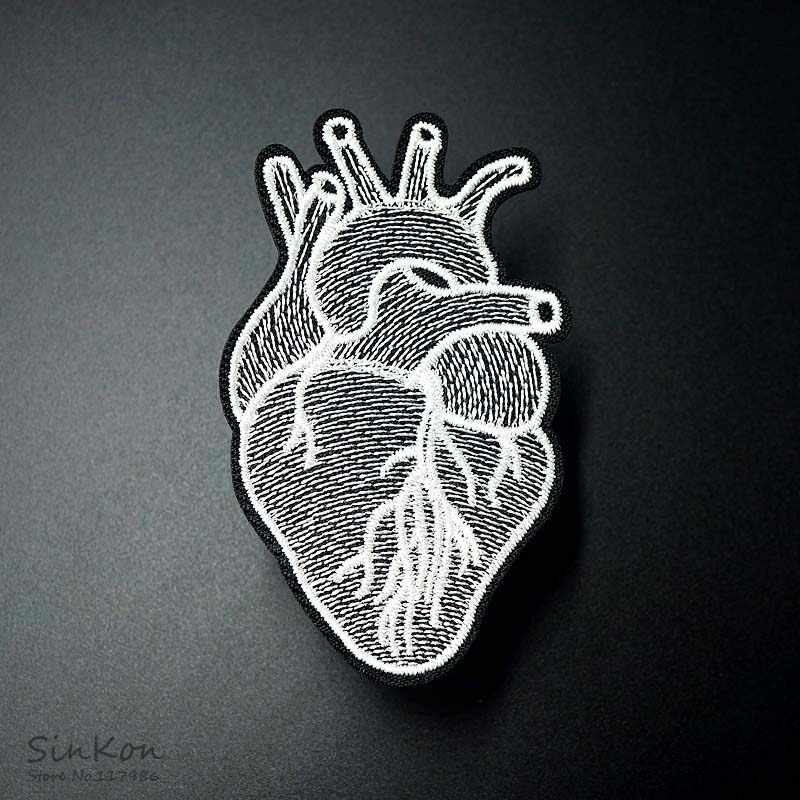 Heart Size:4.5x7.8cm DIY Patches Cloth Patch Embroidered Cute Badges Hippie Iron On Cartoon Patches For Clothes Sticker
