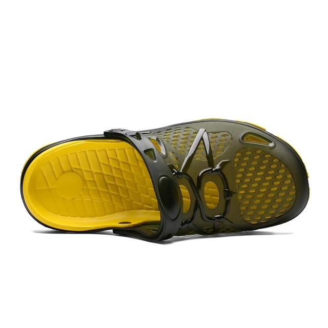 Summer men Beach Slippers Fashion Jelly Shoes Men Beach Sandals Outdoor Casual Walking Beach Flip