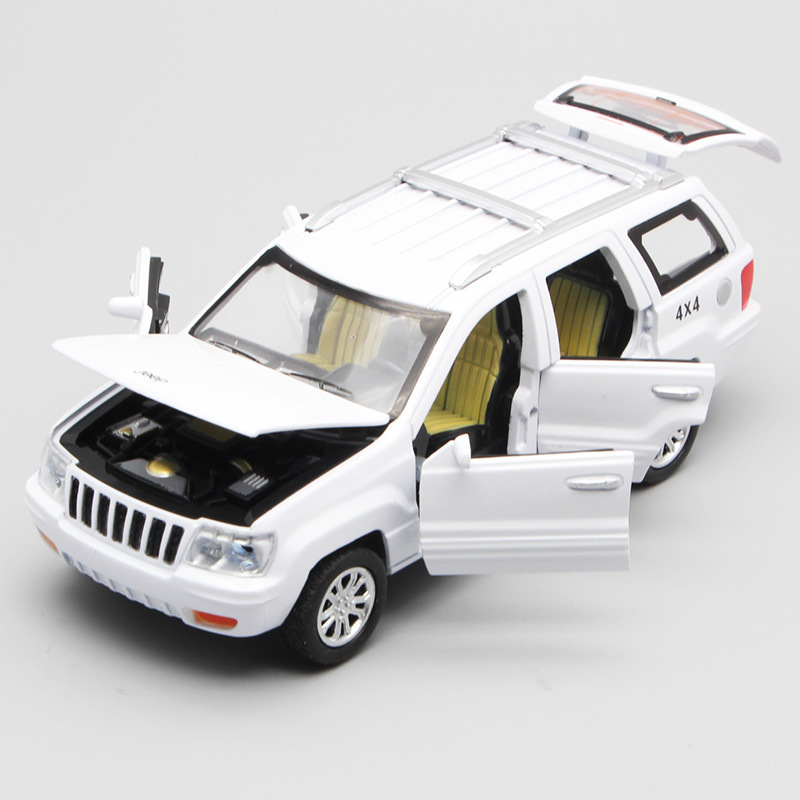 Exquisite 1:32 Grand Cherokee Alloy Car Model,simulation Die-casting Sound And Light Back Force Off-road Car Model,free Shipping