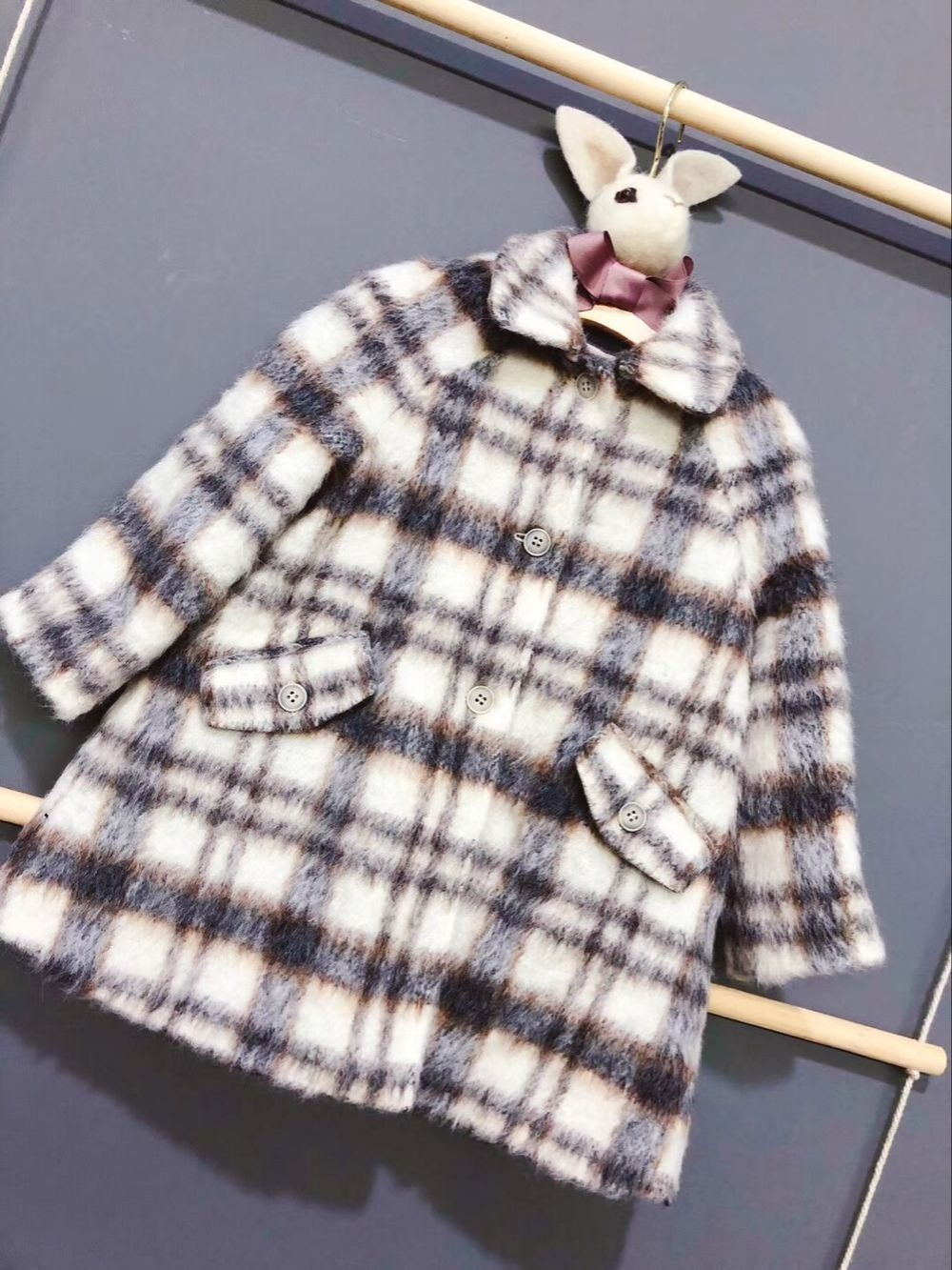 цена на Girls woolen overcoat new fashion clothes for kid girls Teens autumn winter long coat warm outerwear in late of September