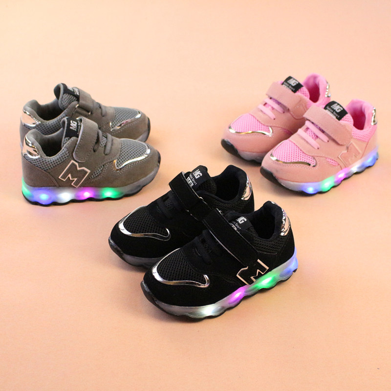 2018 nuevo luminosa zapatillas de deporte cesta niños Led iluminación zapatos iluminado krasovki tenis infantil brillante niñas zapatillas de deporte
