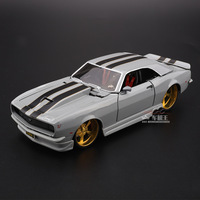 Maisto 1:24 Simulation Diecast alloy Antique car model toy For Chevrolet Camaro Z28 1968 Classic version car model for Man