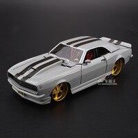 Maisto 1:24 Simulation Diecast alloy Antique car model toy For Chevrolet Camaro Z28 1968 Classic version car model for Man