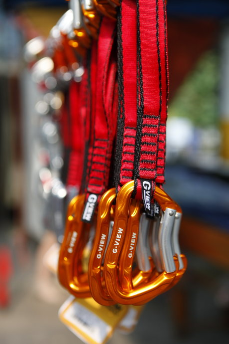 The Entire Network Minimum Outdoor Camping Qiyun Brand Climbing Quickly Hang Climbing Flat Buckle UIAACE Certification