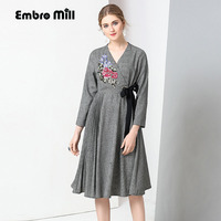 2017 Autumn Party Dress Vintage Royal Embroidery Cotton And Linen Loose Gray Dress Fashion Elegant Lady