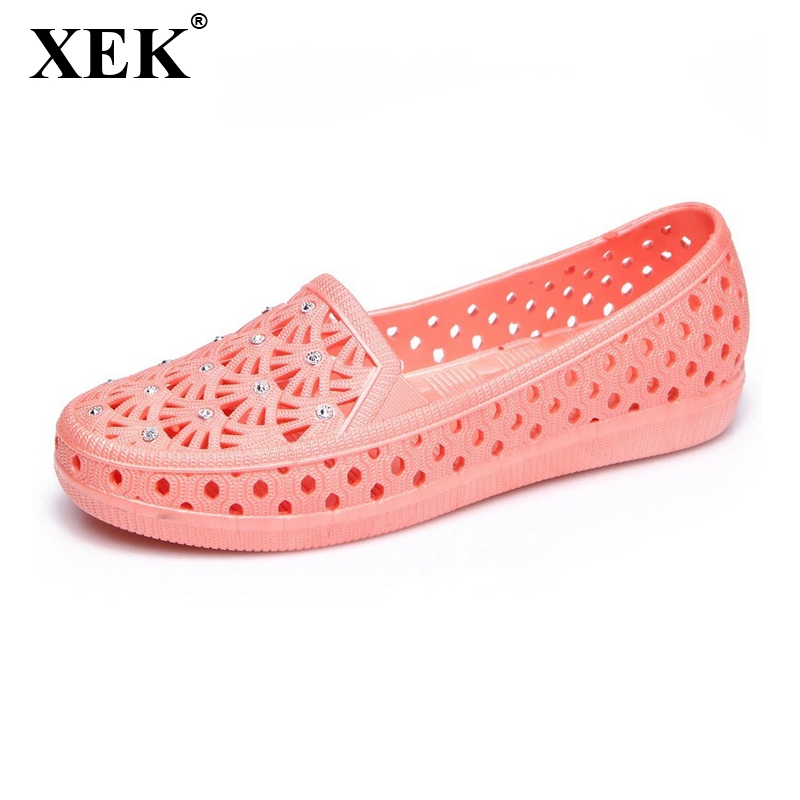 XEK 2018 Fashion New Woman Sandals Sweet Cut out Jelly Sandals Summer Casual Flat Women Shoes footwear Size 36-41 WFQ56