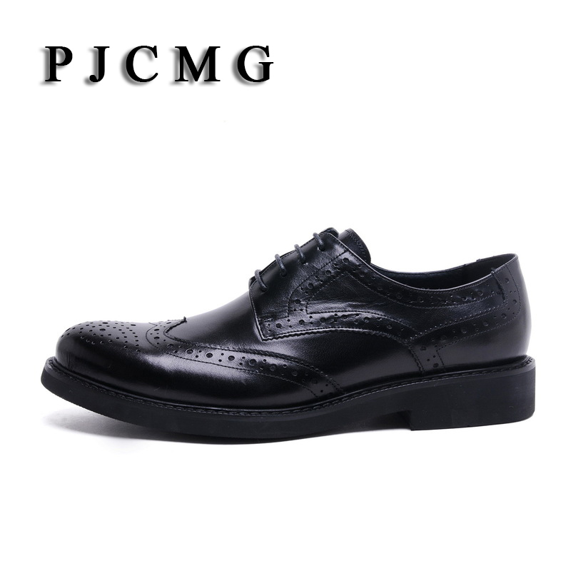 PJCMG Hoge Kwaliteit Mannen Oxfords Stijl Gesneden Lederen Bruin/Zwart Brogue Lace Up Bullock Business mannen Flats Schoenen-in Oxfords van Schoenen op  Groep 2