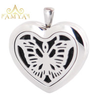 Amya Jewelry 30mm Heart Butterfly Aromatherapy Essential Oils Stainless Steel Perfume Diffuser Locket Necklace with chain Pads