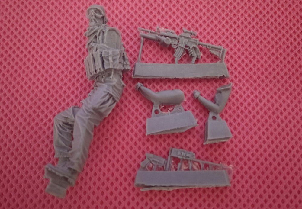 цена на pre order-Resin toys 35027 - Waffen SS soldiers at rest Ardennes 1944Free shipping