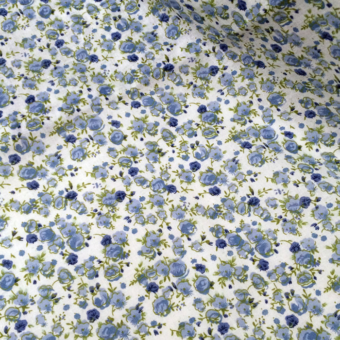 Hlaf Meter 15050cm 100 Cotton White With Blue Flowers Floral