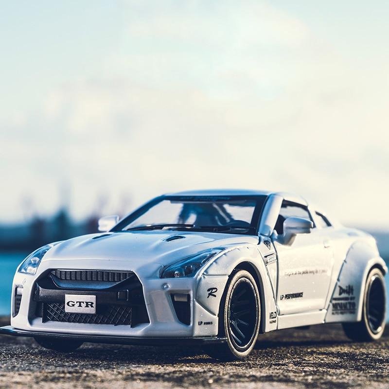 kidami-1-32-amg-nissan-gtr-benz-alloy-car-model-toys-for-children-diecast-car-toy-gift-sports-hot-wheels-siku-font-b-f1-b-font-mini-auto