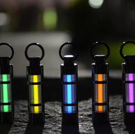 Titane tritium trousseau clé anneau lumineux tritium gaz lampe de sauvetage d'urgence lumières Automatique lumière 25 ans
