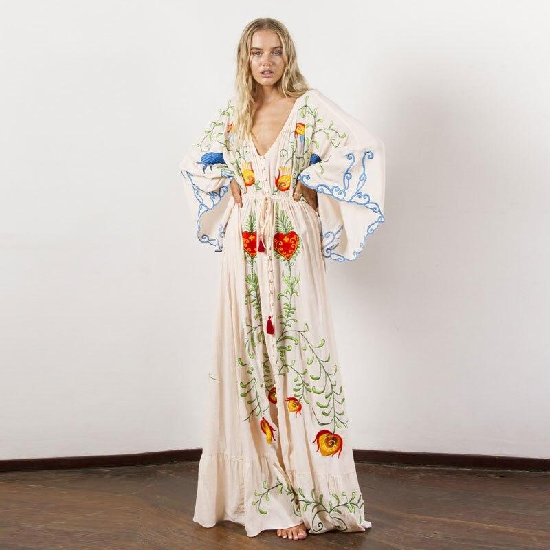 Nouvelles femmes d'été de Bohème voyage vacances ultra-long exquis broderie fleur plus-taille robe rétro robe à franges