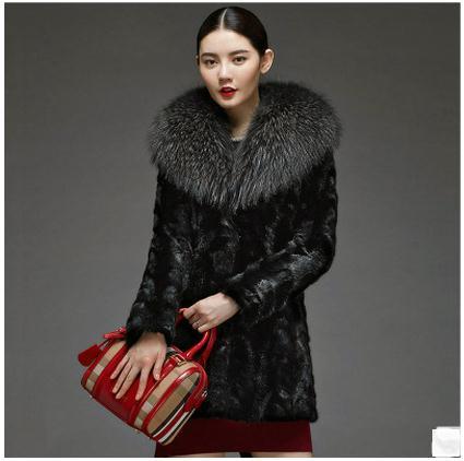 女性黒フェイクラクーン毛皮の襟ジャケット長いセクションファッション女性フェイクファーコートcasaco feminino人工毛皮のコートk432  グループ上の レディース衣服 からの フェイクファー の中 1