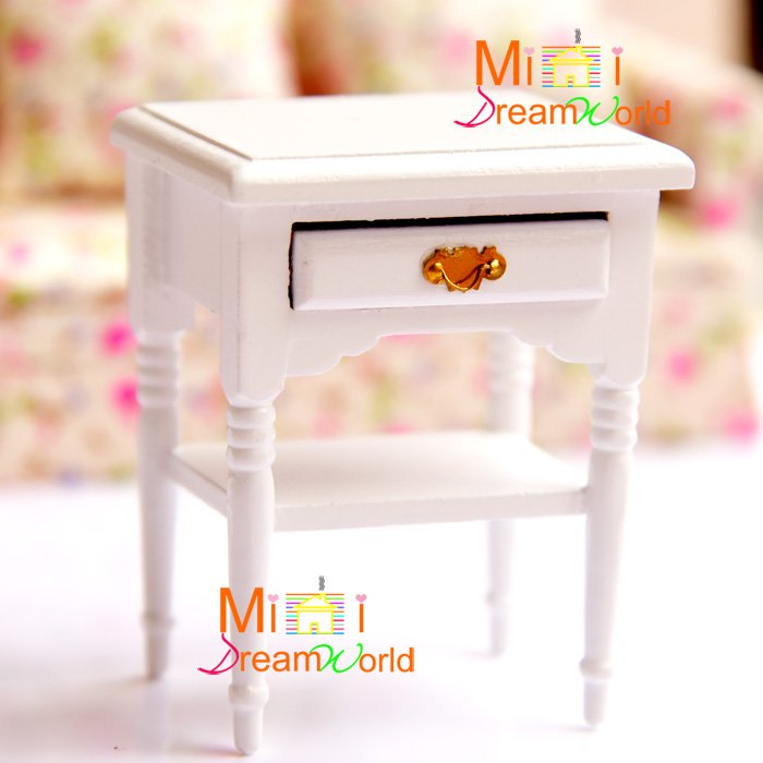 Mini dollhouse Mini-furniture accessories bat-shaped handle white side of the bed table small side table ...