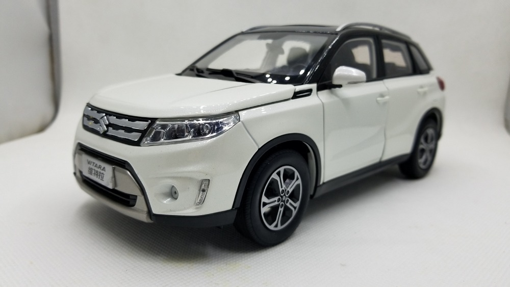 1:18 Diecast Model for Suzuki Vitara 2016 White SUV Alloy Toy Car Miniature Collection Gifts Gran
